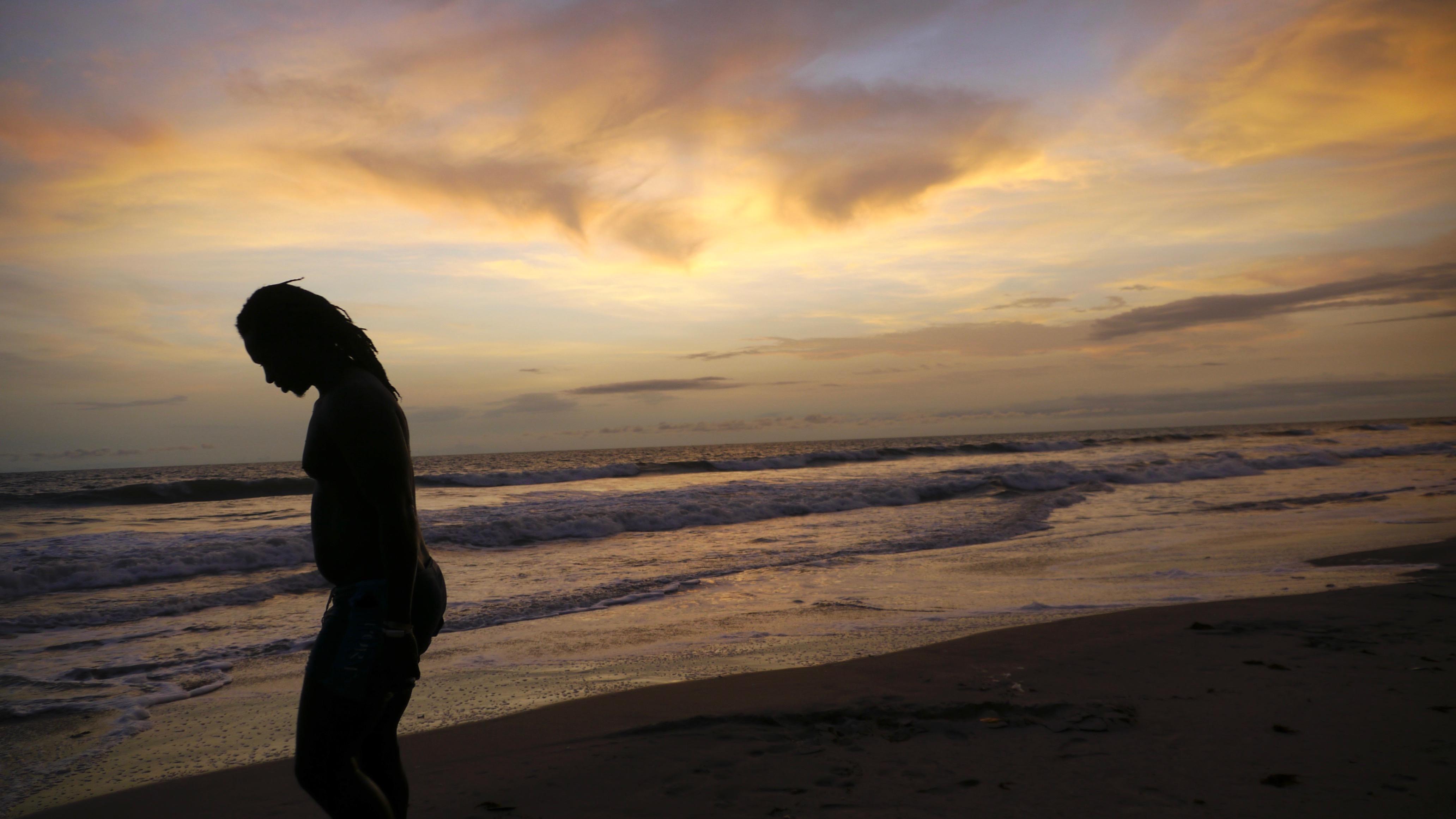 Alioune Wade au coucher de soleil