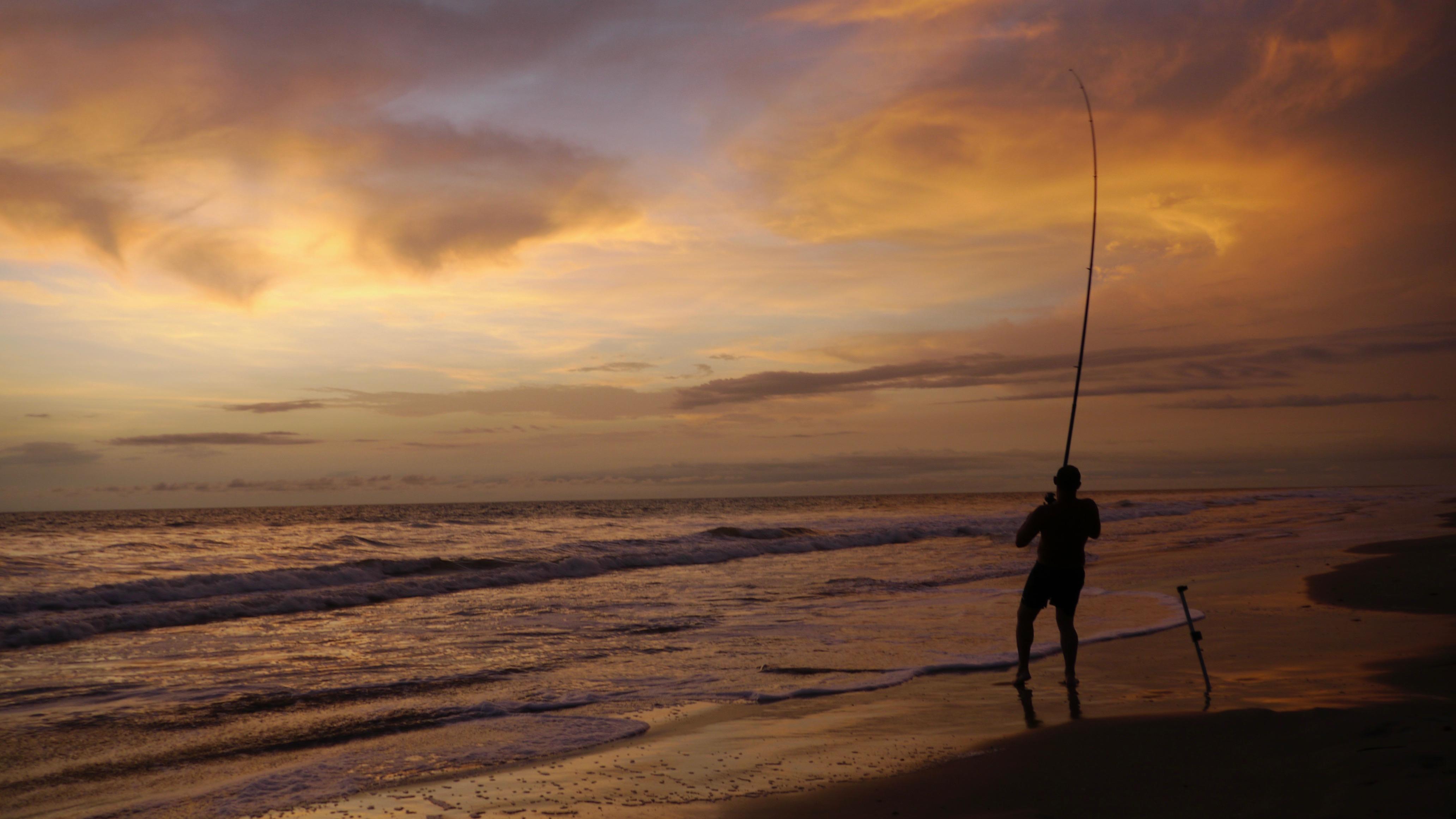 Surfacsting au coucher de soleil