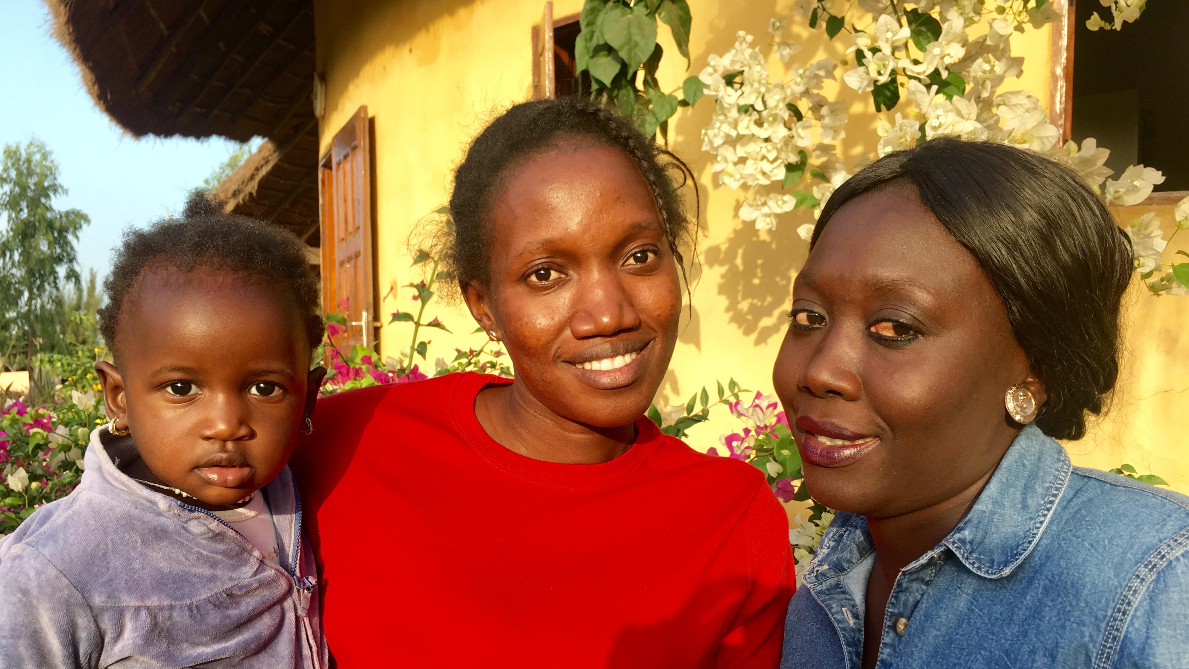 Seynabou, Astou & Marietou qui peut aider Seynabou lors de vos séjours