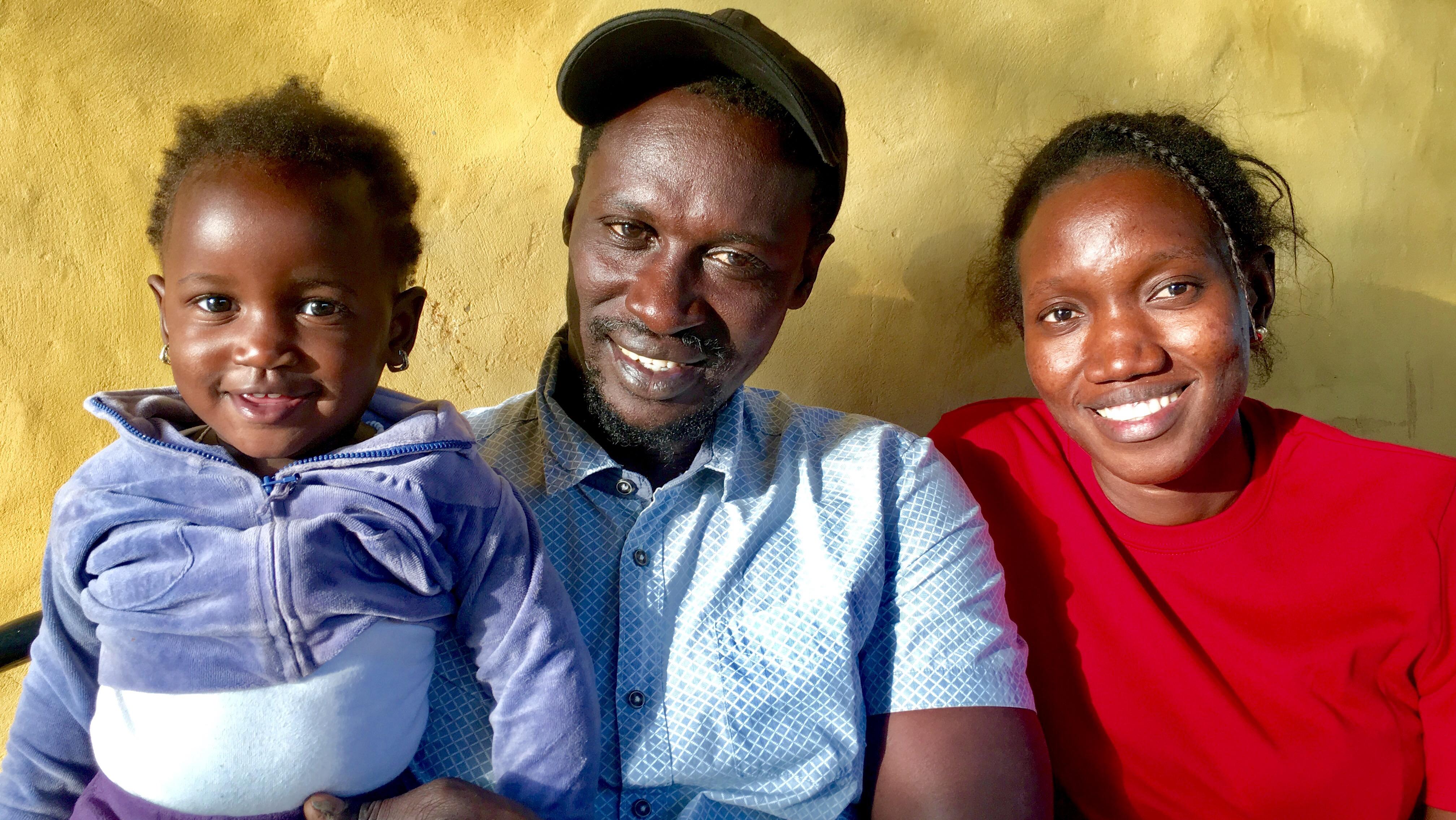 Alioune, Seynabou WADE & Astou leur fille vous accueille au Kibalaou