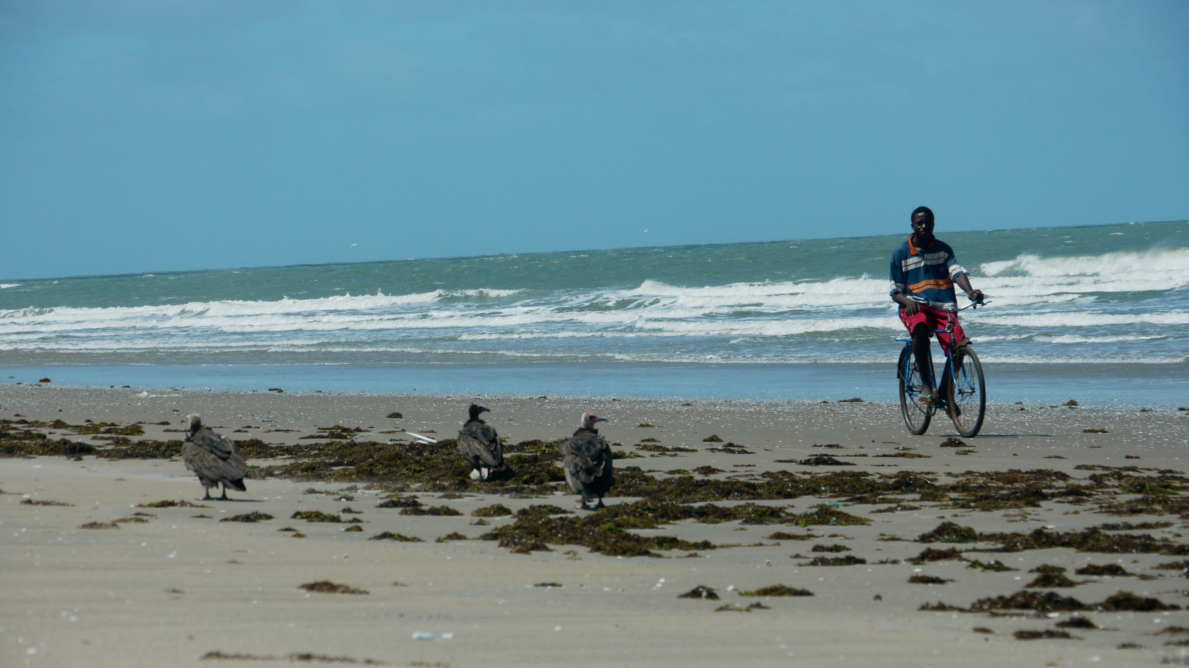 cycliste sur la plage