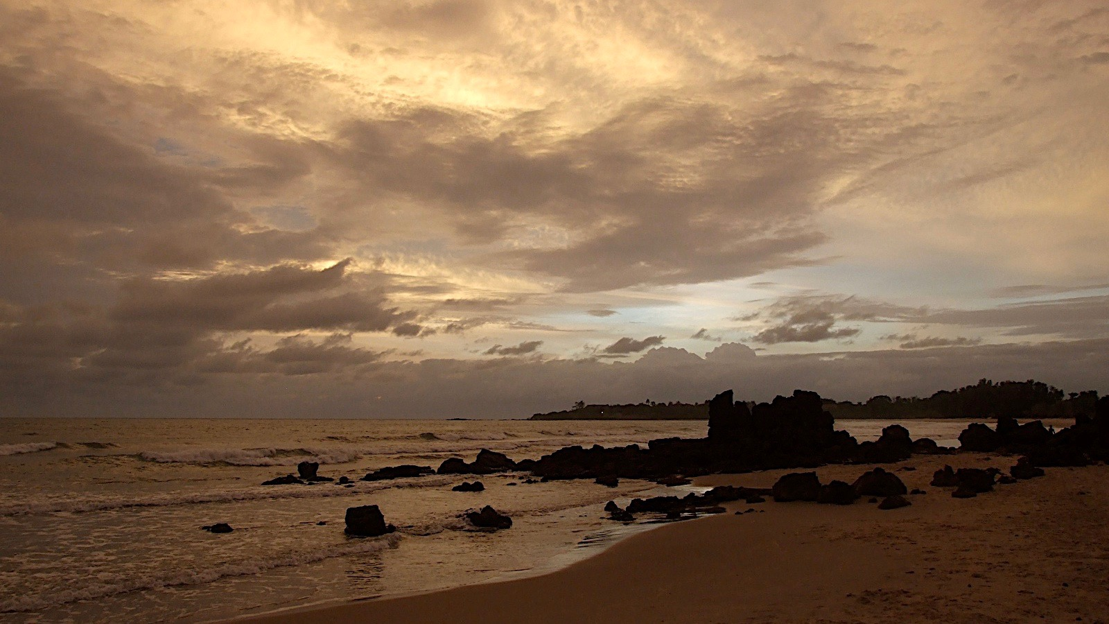 Les rochers au coucher de soleil